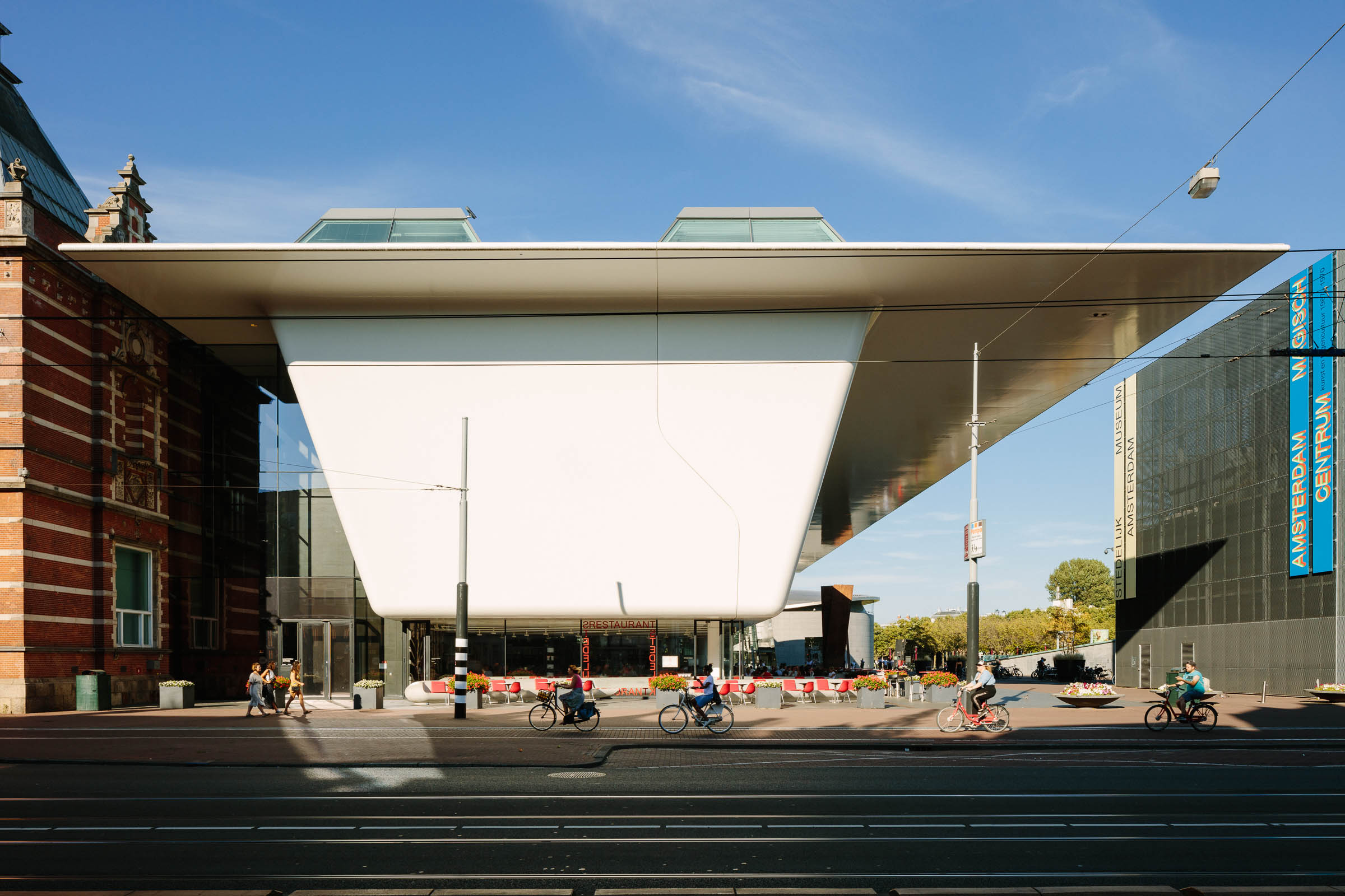 Architectural photography of the project Stedelijk Museum in Amsterdam by Benthem Crouwel Architects, photographer Jakob Börner architectural photographer Hamburg